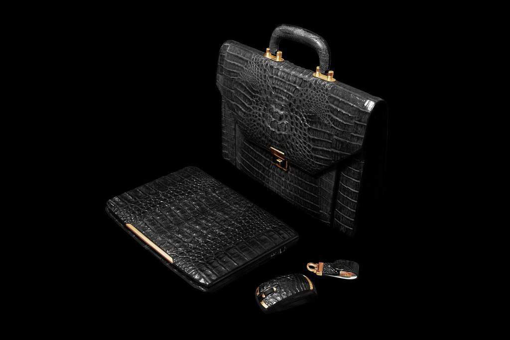 Laptop MJ Ferrari Gold 777 Leather Edition - Genuine Crocodile Skin & New Luxury Gold. Notebook, Radio Mouse, Super Speed USB Flash Drive
